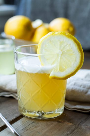 Whiskey Sour or Whisky Sour - The Classic Way