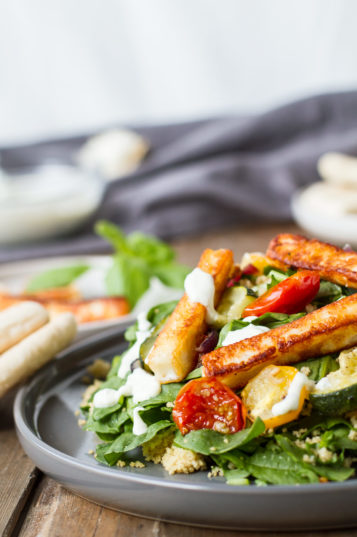 Healthy Halloumi Quinoa Salad with Garlic Vegetables