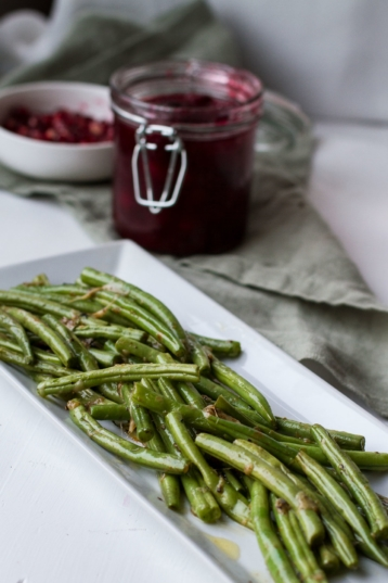 Super Easy Garlic Parmesan Green Beans