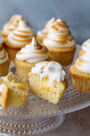 Lemon Meringue Cupcakes with Lemon Curd Filling
