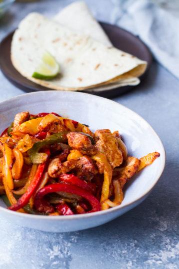 Easy Sheet Pan Chicken Fajitas Recipe (+ Seasoning)